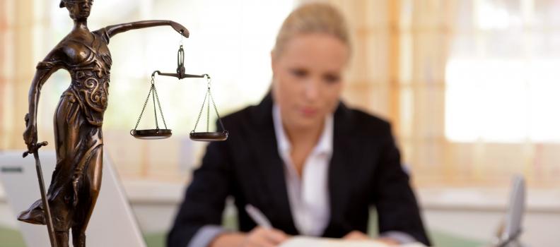 Advokaadi teenuste laen auto tagatisel